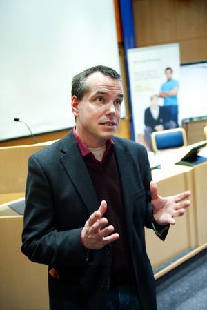 Marcus Kjellin, förhandlare på Hyresgästföreningen Region Mitt, konstaterade att nya utmaningar väntar på bostadsmarknaden i Dalarna då nyinvesteringarna har tagit fart på allvar.