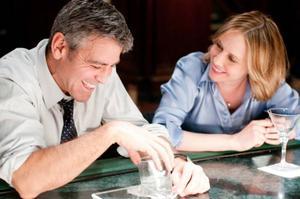 """George Clooney och Vera Farmiga spelar kärleksparet som möts mellan flighterna i """"Up in the air"""".oto: Dale Robinette"""