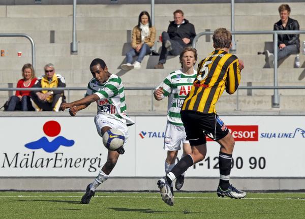 Kalle Ljungberg i en träningsmatch mot VIK Fotboll i början på 2009.