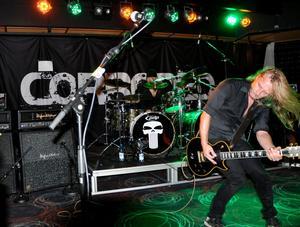Fansen har väntat, men på lördagen släppte rockbandet Corroded sitt nya alster,
