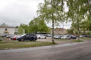 Fastighetsbolaget Förvaltnings AB Midsand har fått bygglov för två flerfamiljshus på lucktomten bakom Arbetsförmedlingen i Sandviken.