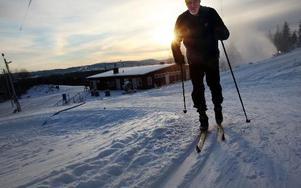 På Bergebo skidanläggning tränar Lars Hugo Nilsson för sitt 20:e Vasalopp. FOTO: ANNIKA BJÖRNDOTTER
