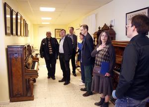 Den första konferens som hållits kring tramporglar, svensktillverkade orgelharmonier, inleddes i går på Klaverens hus i Söderhamn.