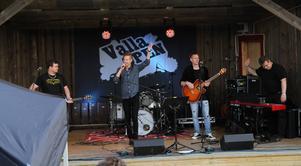 Marcus Mellin med Peter Subäck, piano samt Lars Eng och Ronnie Persson, gitarrer.