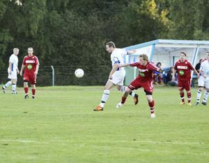 Spelande tränaren Tommy Öhrn visade vägen för sitt Bergvik genom att göra ett mål och passa till två då Trönö besegrades med 5–2.