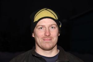 Jan-Ove Kardell, 39 år. Helt inriktad på lantbruket och gårdens köttdjur. Deltidsbrandman