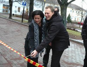 Samarbetet mellan Abbe Ronsten (S) och Lotta Bergstrand (FP) har fungerat bra under mandatperioden. I valet på söndag ger Säterborna besked om vad de anser upp det blocköverskridande samarbetet. Foto:RolandBerg