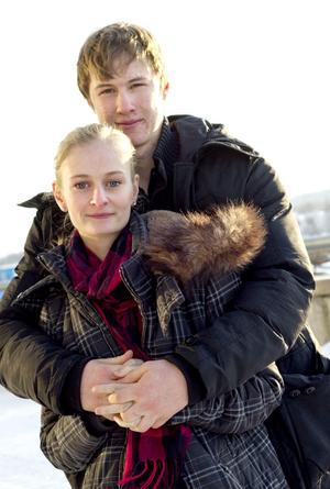 Amanda Svensson och Fredrik Herrmann träffades av Amors pilar under sista veckan i nian.