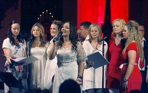Sånger som Stilla natt framfördes både på engelska och svenska.