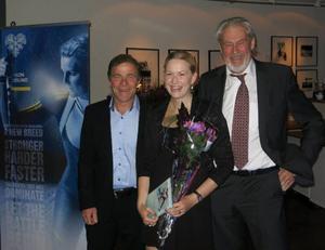 Kalle Grenemark och Christer Ulfbåge fick äran att dela ut Hal of Fame utmärkelsen till  Helena Ekholm.