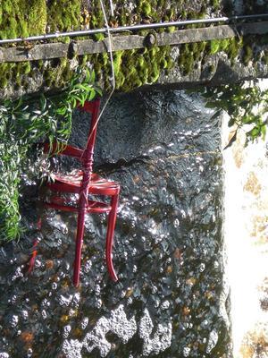 Är detta ett konstverk eller finns det någon smart fiskare vid Svartån som gjort detta?