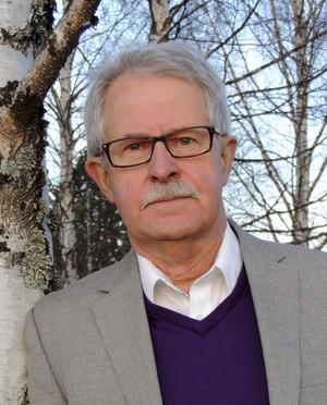 Sverker Olofsson, tv-känd för sin konsumentjournalistik, kommer till Gävle Konsumentlednings 40-årsjubileum som firas i Stadsbibliotekets Kafé Edbom på tisdag.