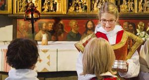 Nattvarden. Anna Hartwig gav sin första nattvard som prästvigd.