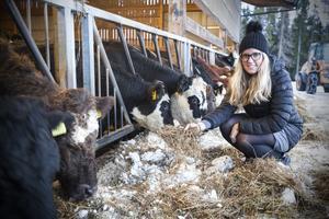 – Vi har världens bästa djurhållning och man blir så stolt över att producera svenskt kött. I andra länder får man proppa i djuren antibiotika, säger Agnes Jörgensen.