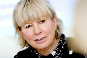 Carola Helenius-Nilsson säger sig vara medveten om problemen på Nynäs Montessoriskola.