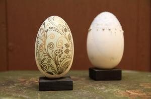 Där finns också de vackra dekorerade äggen.