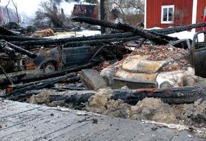 Det nedbrunna bostadshuset i Västerby låg på en grannfastighet till lagården där branden började. Byggnaden användes som fritidshus och inga personer befann sig i huset.