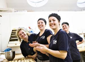 På Lido ser man fram emot att börja baka utan socker. På bilden (från vänster): Lotta Schenkel, VD förLido, Catrin Jacobsson, Josefine Melin och Frida Westlund.