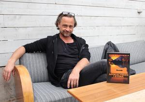 Erik Nilsson romandebuterar med Apokalypsen i Storå.