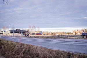Bygglovsansökan gäller den här tomten vid Bollnäs södra infart.