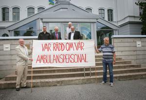 På fredagen lämnades in protestlistor med över 10 000 namn in till Region Gävleborg.
