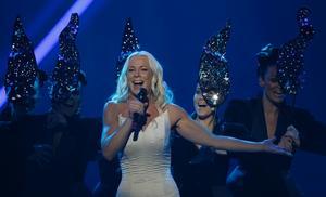 Malena Ernman i finalen av Eurovision Song Contest i Moskva.