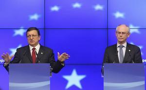 Vi vill bestämma. EU-kommissionens president José Manuel Barroso och rådets president Herman Van Rompuy står bakom ett förslag om hur problemen i eurozonen ska tacklas. Det skulle innebära mer makt åt EU centralt.