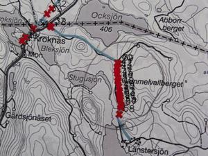 En av avbrottskartorna som Härjeåns Nät tagit fram visar det här området där vissa ledningar är röda av kryss och där varje kryss är ett träd. Stormen Ivar.