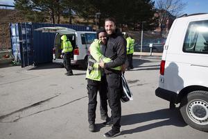 Påsk-kram med Stella Erigbe som Andreas Haddad är kollega med på Telge Tillväxt.