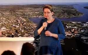 Susanne Öberg, regionchef LRF, uppmanar konsumenterna att köpa mer svensk ost.