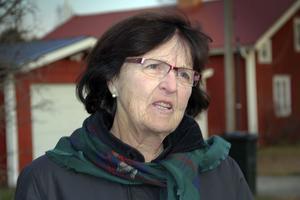 Ingrid Sundin bor på Brovägen inne i byn. Hon berättade under rundvandringen att det nu i november bara finns 18 hushåll i hela Sörfjärden.