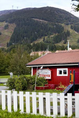 Vid vägen genom Åre ligger Filuren som enligt de nya planerna ska rivas och ge plats åt en två våningar hög förskola.
