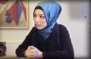 Rasha al-Qasim framträdde på Feministfestivalen i Härnösand och utkommer snart med sin första svensk-arabiska diktsamling.