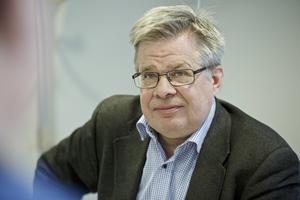 Lars Ringsby, chef serviceförvaltningen Falu kommun, startar nu en utredning om att slopa det krånglande hissförrådet på Hälsingebacken.