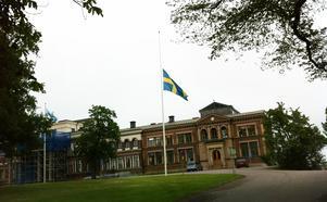 Klockan 10.00 i dag uppmanar Sandvik Materials Technologys vd Jonas Gustavsson till en tyst minut för de omkomna arbetarna.
