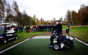 Först att slå ut på det nya området var Henrik Sundell som heller inte hade några problem att ta sig fram på banan med sin elektriska rullstol.