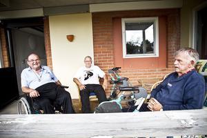 Från vänster: Bert Östman, Göran Broström och Henry Östlund som tycker att lex Sarah är en viktig lag.