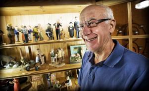 Åke Sjölander har inte bara snidat figurer. Han tillverkar allt möjligt i trä, med stor hantverksskicklighet.