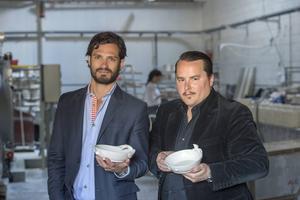 Prins Carl Philip tillsammans med sin vän och designkollega Oscar Kylberg.