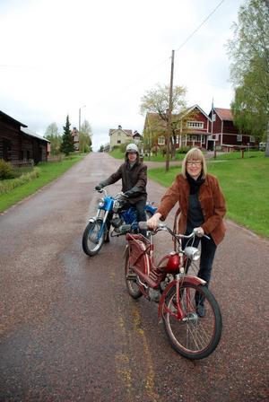 Dags för mopedrally. I dag klockan tio går startskottet för Gärdsjö Grand Prix i Ingels. Arrangörerna Johan Matz och Märta Kallur är beredda.