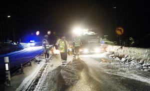 Två fördes med ambulans till Östersunds sjukhus efter trafikolyckan på E14 i höjd med Ope i går kväll.