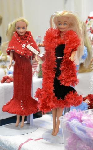 Julfina. De här vackra damerna besökte slöjdmässan.