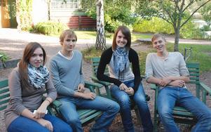 studiebesök. De tyska studenterna fick besöka Carl Larsson-gården i Sundborn. Från vänster: Aria Kanitz, Christian Mützel, Ida Fleischer och Carl Augustin.