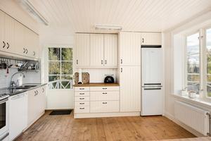 Köket. Villan kostar 3 975 000 kr. Foto: Mikael Frisk