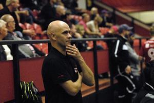 Peter Wallin, klubbchef, ger ny information om läget i Kais Mora efter en ny finalförlust.