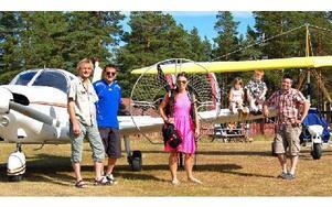 Robin Fjellström, Ulf Kölbro, Sandra Poltrago, Isabell, Vilgot och Tom Nilsson från Orsa Flygklubb. Foto: Stefan Rämgård