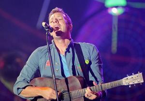 Coldplays sångare Chris Martin vid en konsert i Polen 2012.