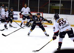 Jim Jakobs stannar i Borlänge Hockey.