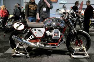 Retronostalgi. Moto Guzzi V7 Racer är ett läckert bygge på 744 kubik och 49 hästkrafter.Foto: Janerik Henriksson/Scanpix