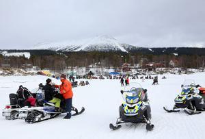 Påsken är normalt något av en högtid för både skid- och skoteråkare i Lofsdalen. Nu har redan många valt att boka om sin vistelse till sommaren eller nästa höst, när destinationen gått ut med möjlgheten.